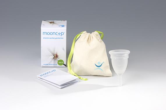 menstrualna-skodelica-mooncup-brezskrbna.si